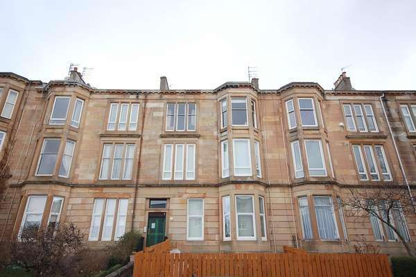 3 Bedrooms Flat for sale in 2/2, 125 Stanmore Road, Mount Florida, Glasgow, G42 9AN