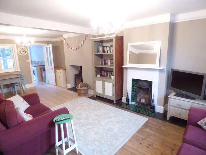 2 Bedrooms Semi Detached House for sale in New Street, Tiddington, Stratford-Upon-Avon