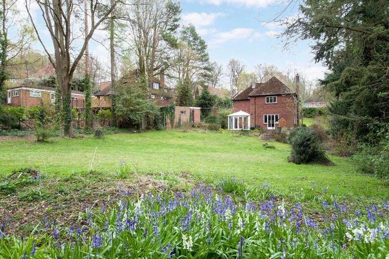 4 Bedrooms Detached House for sale in Gregories Road, Beaconsfield, Buckinghamshire, HP9