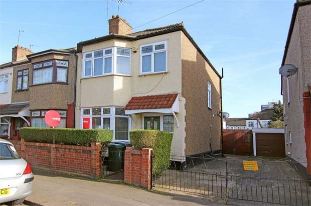 3 Bedrooms End Of Terrace House for sale in Boundary Road, Walthamstow, London