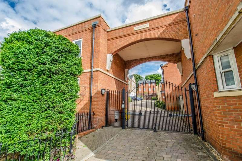 2 Bedrooms Flat for sale in Jeeves Yard Queen Street, Hitchin, SG4