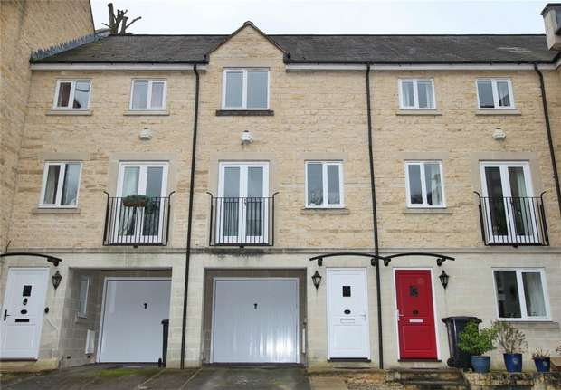 3 Bedrooms Town House for sale in 6 Taylors Row, Bridge Street, Bradford on Avon, Wiltshire