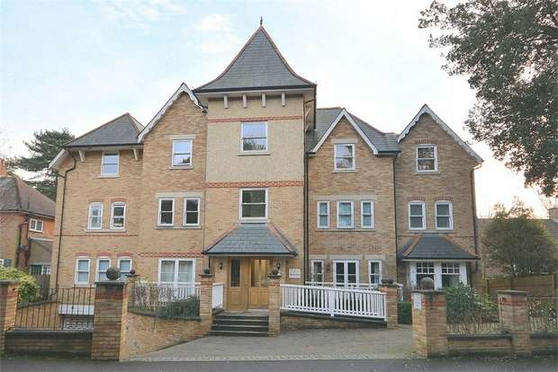 2 Bedrooms Flat for sale in Dean Park Road, Dean Park, Bournemouth