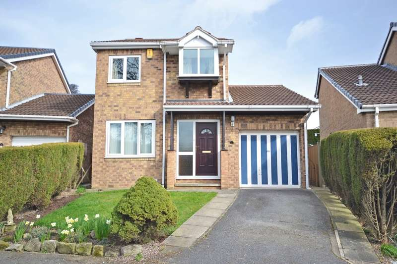 3 Bedrooms Detached House for sale in Parkway, Crofton, Wakefield