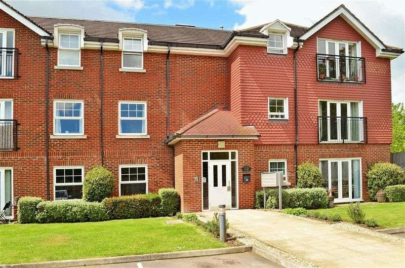1 Bedroom Flat for sale in Brookers Road, Billingshurst