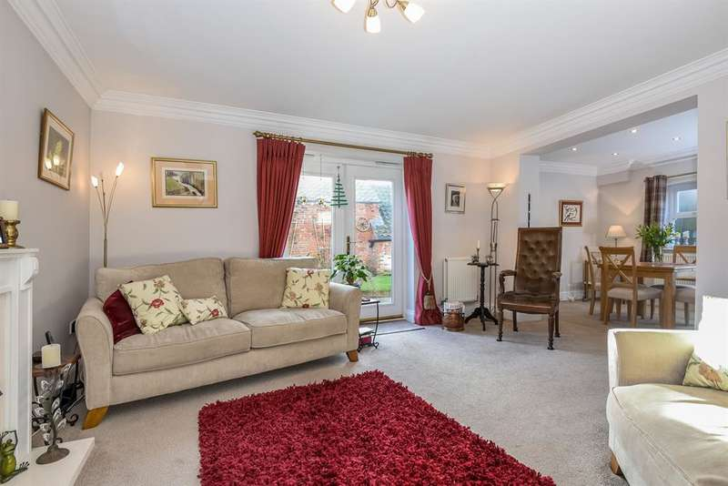 4 Bedrooms Semi Detached House for sale in Raskelf Road, Helperby, York, YO61 2PG