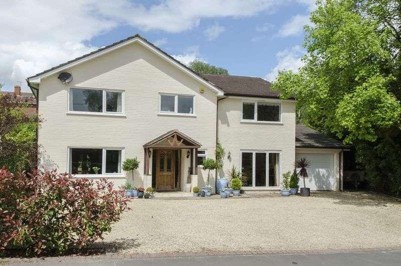 5 Bedrooms Detached House for sale in Landford