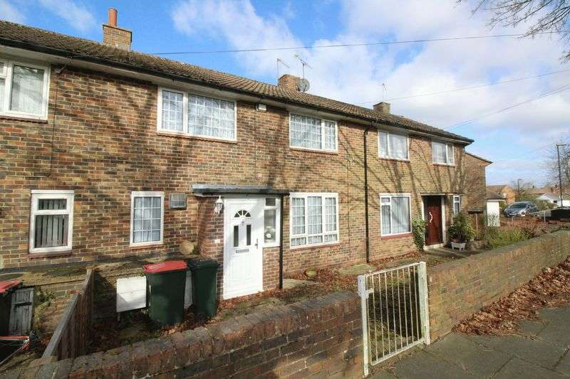 3 Bedrooms Terraced House for sale in Pevensey Close, Crawley