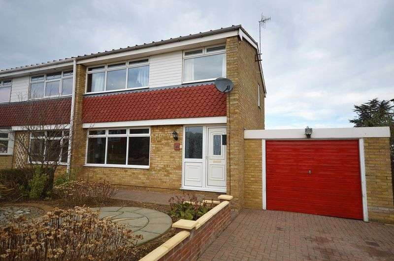 3 Bedrooms Semi Detached House for sale in St Andrews Road, Whitby