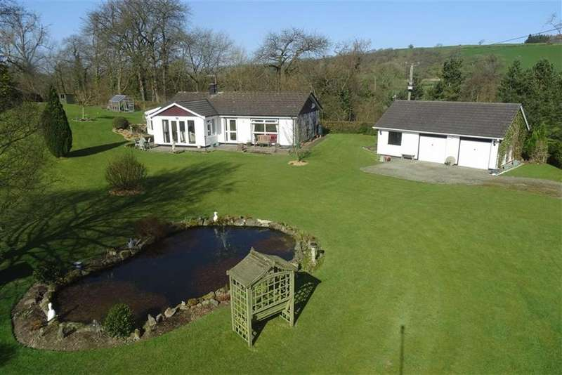 3 Bedrooms Detached Bungalow for sale in Llanerfyl, Welshpool