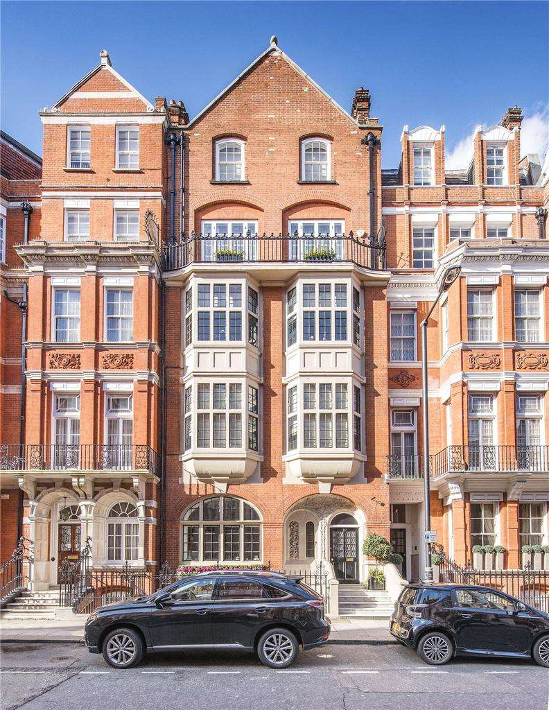 3 Bedrooms Penthouse Flat for sale in Green Street, Mayfair, London, W1K