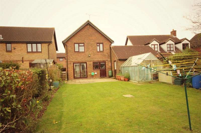 4 Bedrooms Detached House for sale in Nickleby Road, Newlands Spring, CHELMSFORD, Essex