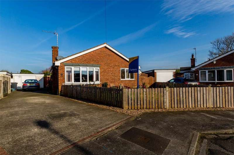 2 Bedrooms Detached Bungalow for sale in Chestnut Croft, Hemingbrough, Selby, North Yorkshire