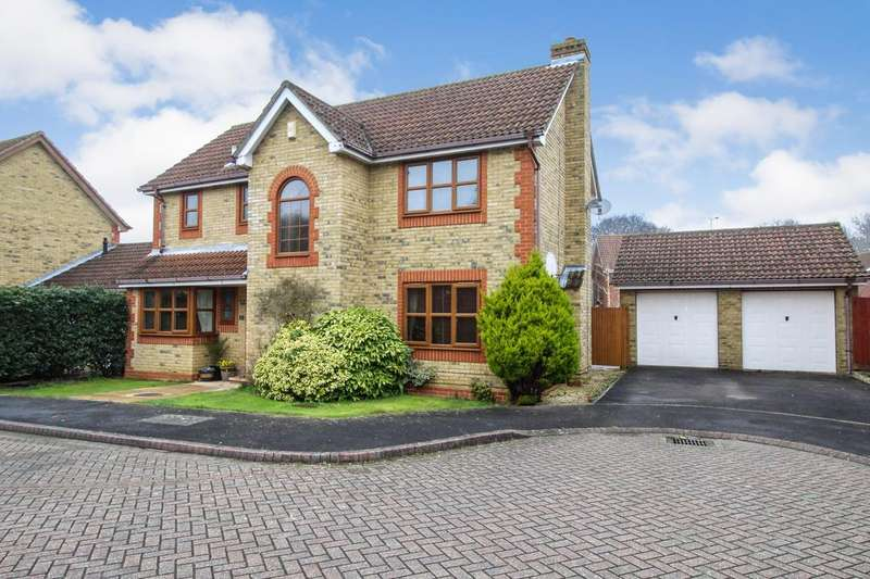 4 Bedrooms Detached House for sale in Chesterton Place, Whiteley