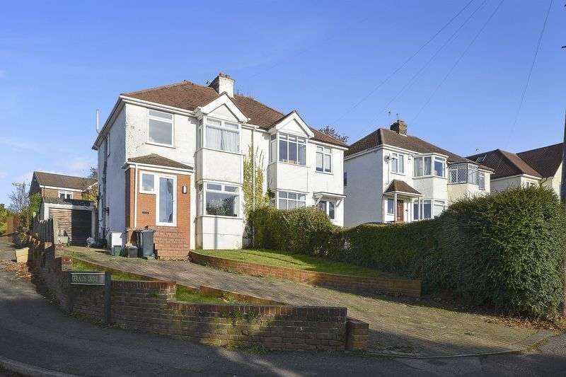 3 Bedrooms Semi Detached House for sale in Warren Road, Nork