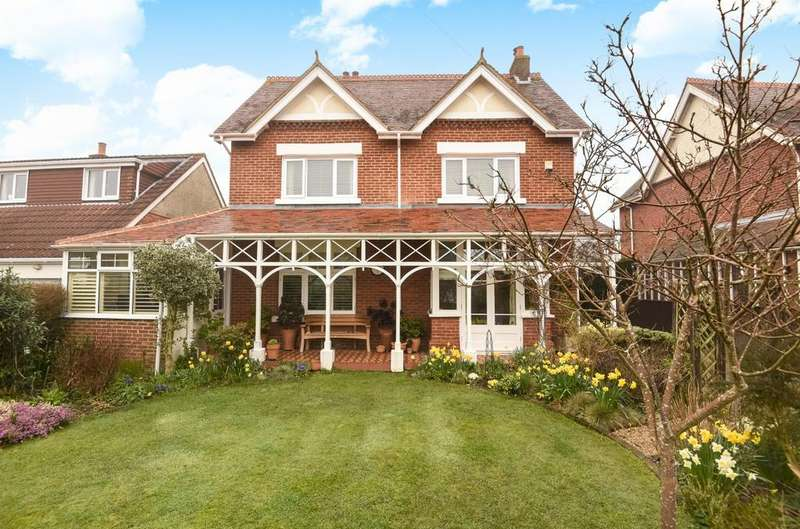 3 Bedrooms Detached House for sale in Saint George's Avenue, Warblington, PO9