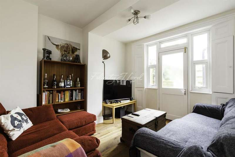 1 Bedroom Flat for sale in Fonthill Road, Finsbury Park, N4