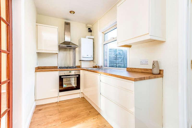 3 Bedrooms Property for sale in Knowles Croft, Dewsbury, WF13