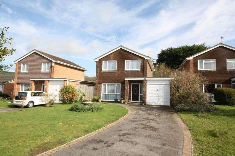4 Bedrooms Detached House for sale in Apple Grove, Christchurch