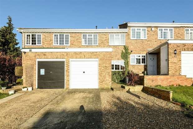 3 Bedrooms Terraced House for sale in The Spinney, FINCHAMPSTEAD, Berkshire