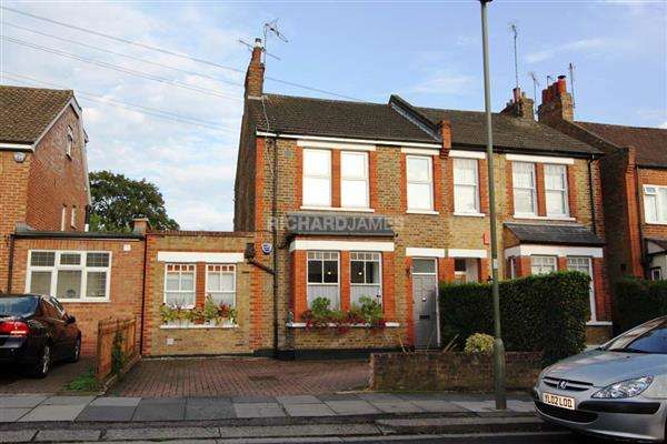 3 Bedrooms House for sale in Birkbeck Road, Mill Hill