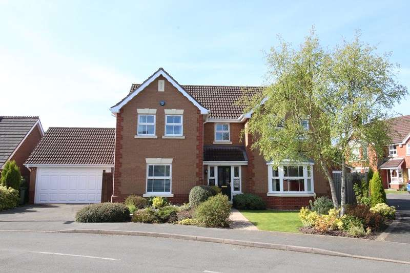 4 Bedrooms Detached House for sale in Huntley Drive, Solihull