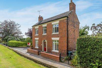 3 Bedrooms Detached House for sale in Church Terrace, Betley, Crewe, Staffordshire
