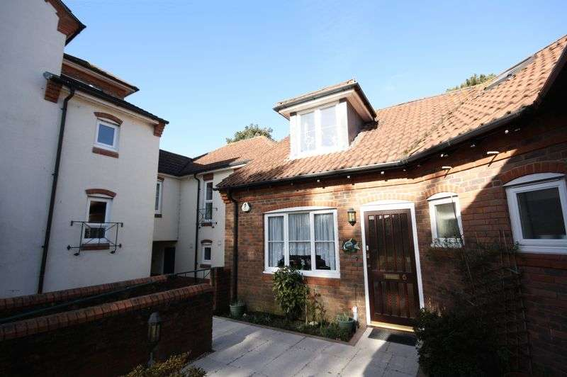 2 Bedrooms House for sale in Catherine Wheel Gardens, Christchurch