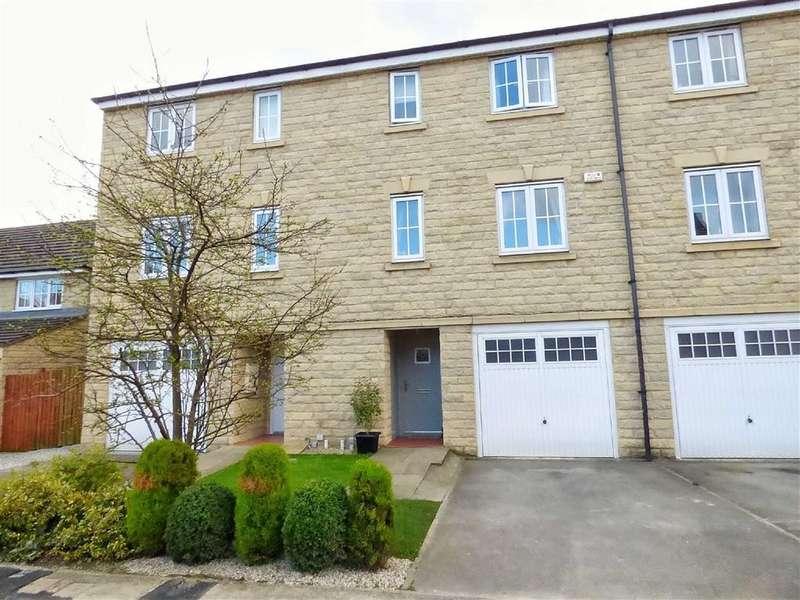 4 Bedrooms Property for sale in Grenoside View, Highburton, Huddersfield, HD8