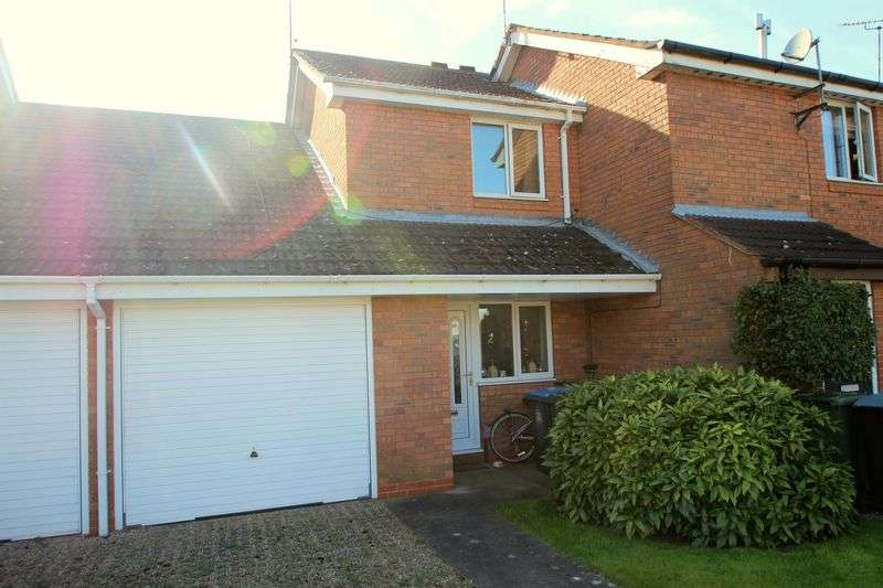 2 Bedrooms Semi Detached House for sale in Yarranton Close, Stratford-Upon-Avon