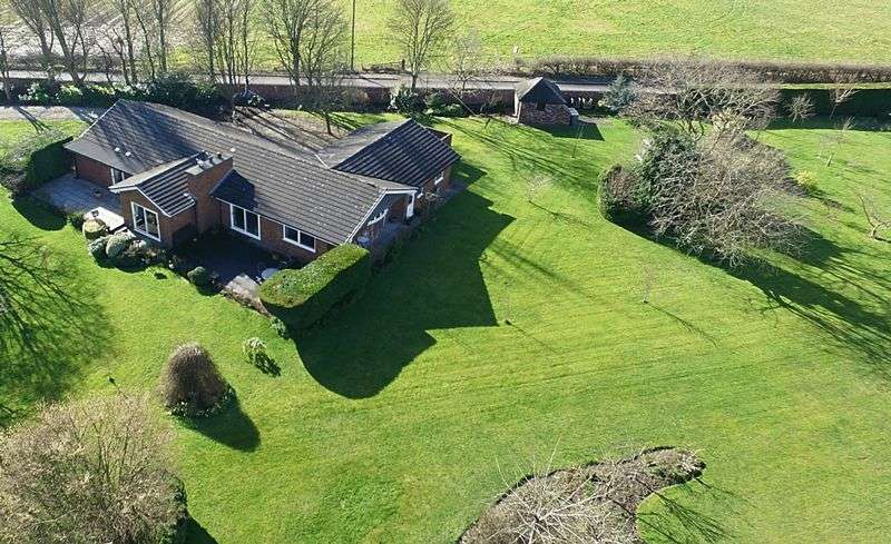 4 Bedrooms Detached House for sale in Barkers Hollow Road, Dutton, Warrington