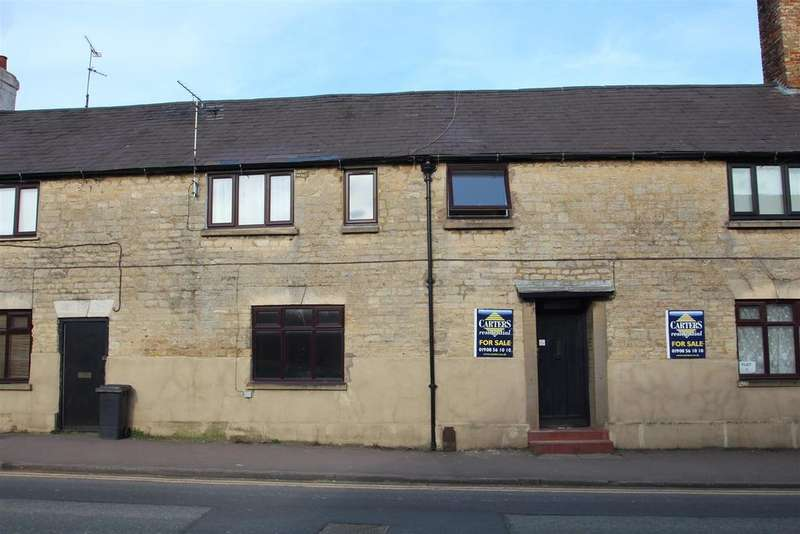 Studio Flat for sale in London Road, Old Stratford, Milton Keynes