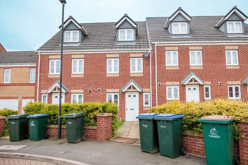 3 Bedrooms Terraced House for sale in Signet Square, Stoke