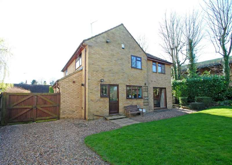 4 Bedrooms Detached House for sale in Hare Street, Buntingford, SG9 0AD