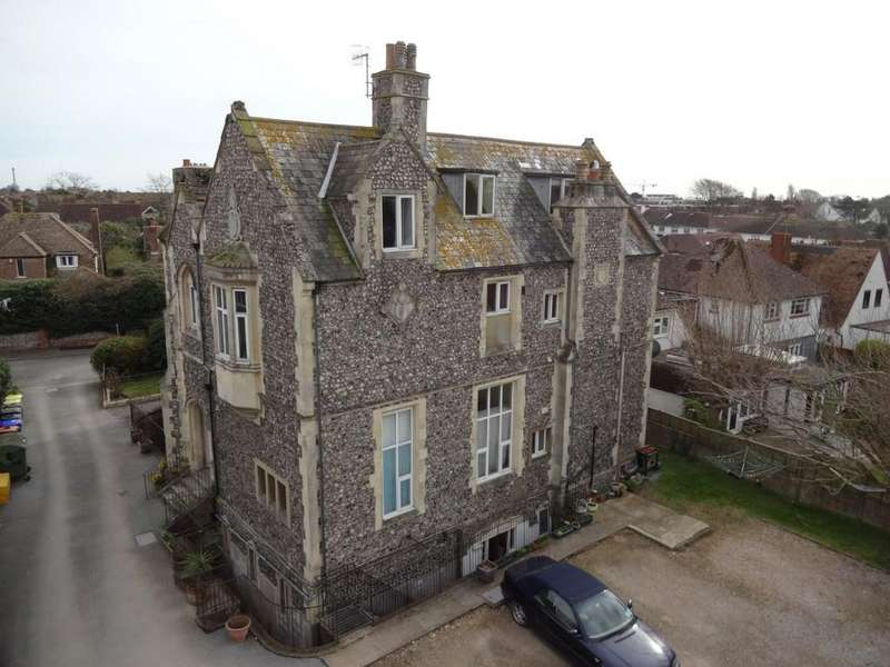 Studio Flat for sale in Shoreham Court, The Close, Shoreham-by-Sea