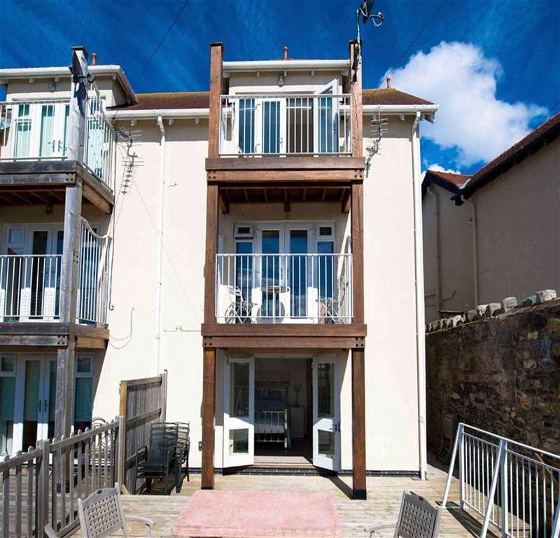 3 Bedrooms Town House for sale in York Road, Deganwy, Conwy