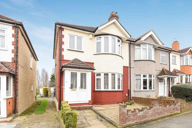 3 Bedrooms Semi Detached House for sale in Felhampton Road London SE9