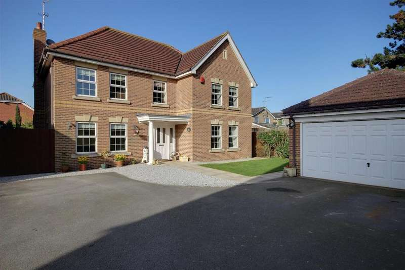 5 Bedrooms Detached House for sale in Sykes Close, Swanland, North Ferriby