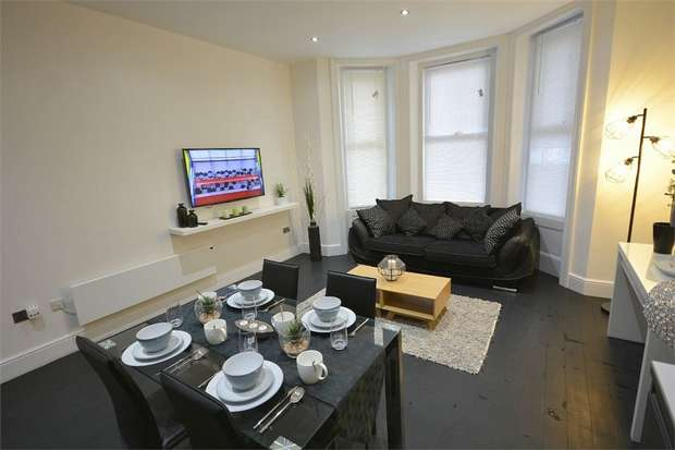2 Bedrooms Flat for sale in Tregonwell Road, Bournemouth, Dorset