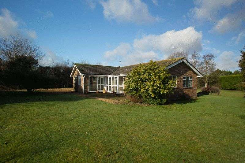 3 Bedrooms Detached Bungalow for sale in Horsemere Green Lane, Climping, BN17