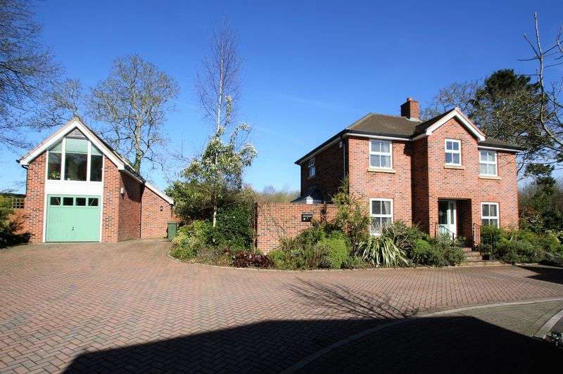 4 Bedrooms Property for sale in Bishops Waltham