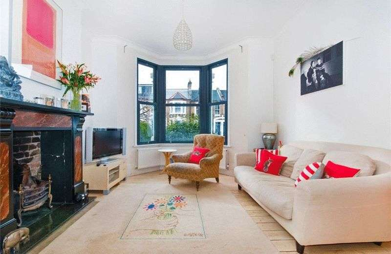5 Bedrooms House for sale in A substantial and beautifully presented five bedroom period family home located in the ever popular telegraph hill area of New Cross.