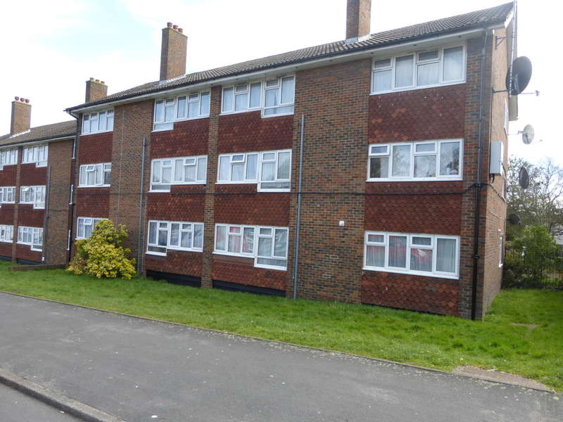 2 Bedrooms Flat for sale in Shrublands Avenue, Croydon, CR0 8JD