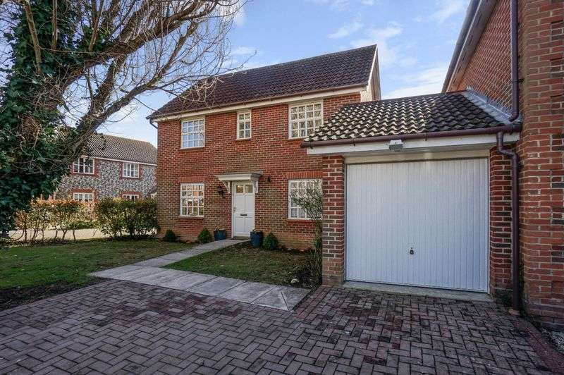 3 Bedrooms Detached House for sale in Foxbridge Drive, Hunston, Chichester