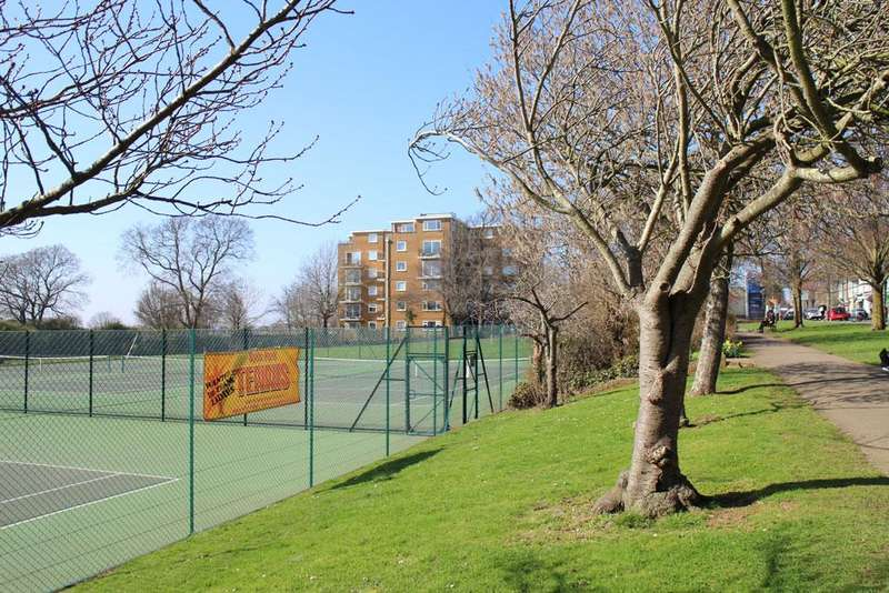 1 Bedroom Ground Flat for sale in Park Lodge, Dyke Road, Hove BN3