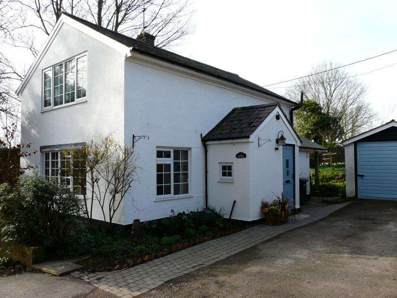 2 Bedrooms Detached House for sale in Chapel Cottage