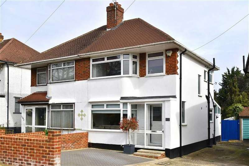 3 Bedrooms Semi Detached House for sale in Chatham Avenue, Hayes, Kent