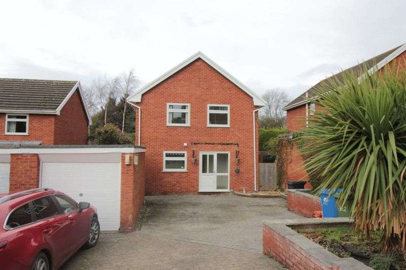 4 Bedrooms Detached House for sale in Rhodfa Gofer, Dyserth