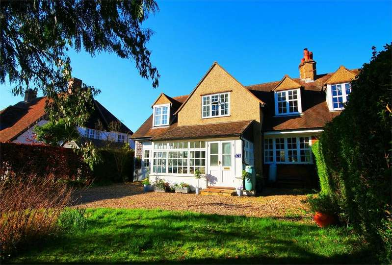 4 Bedrooms Semi Detached House for sale in Wilbury Road, Letchworth, Herts