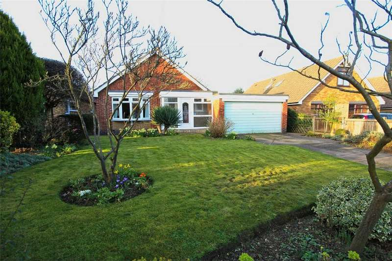 3 Bedrooms Detached Bungalow for sale in Easenby Avenue, Kirk Ella, Hull, East Riding of Yorkshire